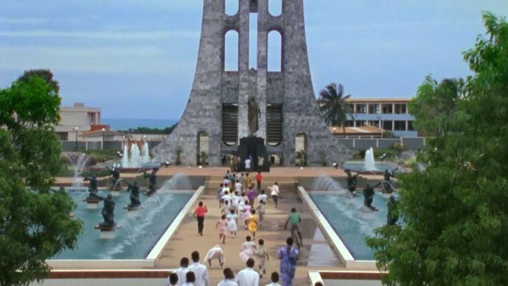 V1-0001_Nkrumah_Memorial_and_kids00241813