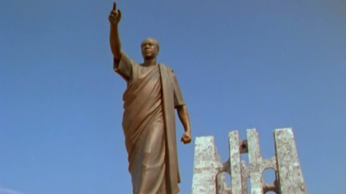 V1-0001_Nkrumah_statue00240605